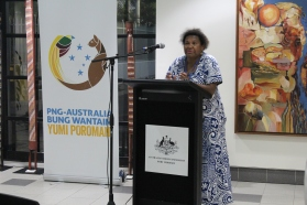 Dr Anna Joskins giving a speech on the importance of Literature in PNG